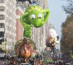 history of macy s thanksgiving day parade balloon accidents
