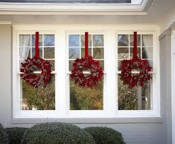 Christmas Window Ribbon Decorations by Best 25 Christmas Wreaths For Windows Ideas On Pinterest