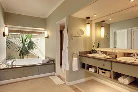 chambre de luxe avec chambres et équipements