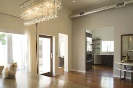 Jeff Lewis Design Jeff Lewis Love The Chandelier And How The Cat Is A Balanced