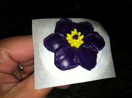 the iced queen royal icing pasque flower