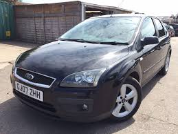used ford focus hatchback 1 6 zetec climate 5dr in surbiton