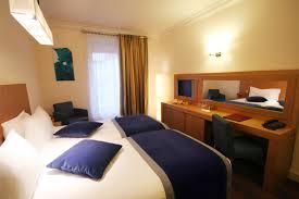 chambre a deux lits hotel westside arc de triomphe chambre avec deux lits à