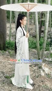 traditional ancient chinese elegant female swordsman costume