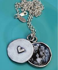 s day locket 6 of the most beautiful lockets for s day cool picks
