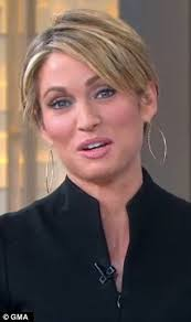 amy robach hairstyle amy robach gets her hair cut short in front of the cameras one