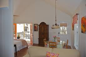 Hill Country Dining Room by Texas Hill Country Rentals Wimberley Tx Cottage 3 Cypress