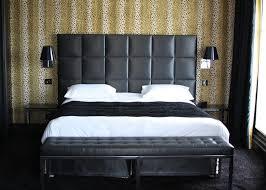 banc de chambre idées déco 10 meubles déco pour aménager votre bout de lit