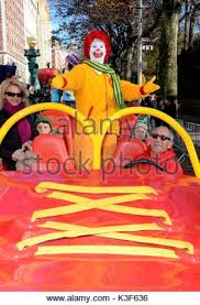 ronald mcdonald the 85th macy s thanksgiving day parade new york
