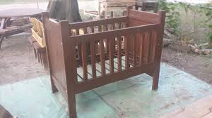 Free Wooden Baby Cot Plans by Diy Pallet Crib Baby Cradle Infant Bed 99 Pallets