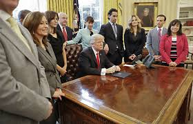 Trump In The Oval Office Trump Oval Office Signings Substance And Showmanship Csmonitor Com