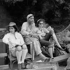 Queen Elizabeth Shooting Humphrey Bogart Katharine Hepburn Filming U0027the African Queen