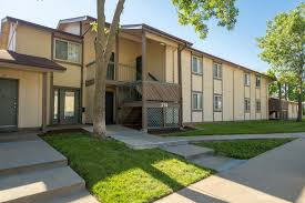One Bedroom Apartments In Columbia Mo Lakewood Apartments Available For Rent In Columbia Missouri