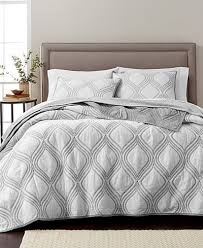 Macy S Bed And Bath Martha Stewart Collection Gramercy Gate 100 Cotton Quilt And Sham
