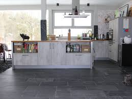 fliesen für die küche dunkle küche sachliche auf moderne deko ideen plus 1000 ideas