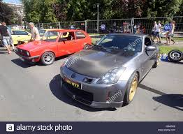 cars nissan people sightseeing parked cars nissan z 300 and golf one at fast