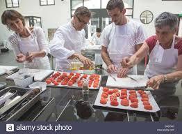 cours cuisine chartres breton shortbread cookies raspberries original cuisine laurent avec