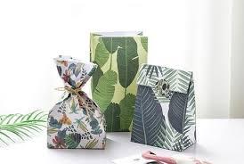 present bags gift bags amandasteo
