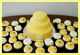 bumble bee cupcakes snacky bumble bee baby shower cake cupcakes