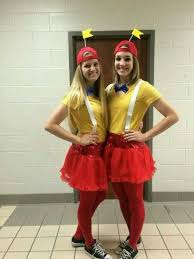 Tweedle Dee And Tweedle Dum Costumes 10 Easy Last Minute Halloween Costumes For You And Your Best Friends