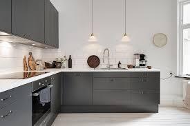 cuisine moderne et blanc maison à la décoration rétro cuisine moderne grise cuisine