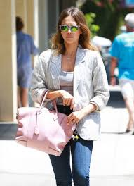 alba street style at a nail salon in brentwood june 2014