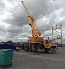 how to hire a crane