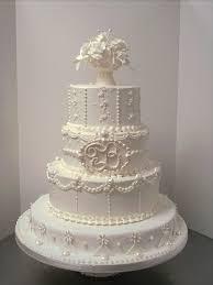 pi ce mont e mariage énorme pièce montée blanche avec un bouquet pour un mariage 19