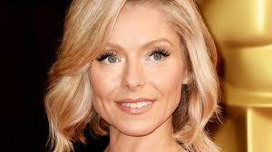 kelly ripa hair style kelly ripa debuts new pink hair after revealing she always gets