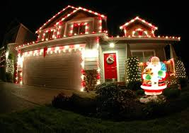 Outdoor Lighted Christmas Decorations Lighted Christmas Wreaths Outdoor Christmas Lights Decoration