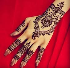 make a henna tattoo in malta one year abroad