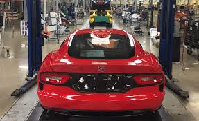 Dodge Viper Red - the last dodge viper has rolled off its detroit assembly line