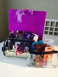 makeup gift baskets best 25 diy makeup gift basket ideas on diy living