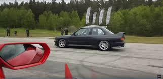 Bmw M3 V10 - video v10 bmw e30 m3 drag races lamborghini huracan
