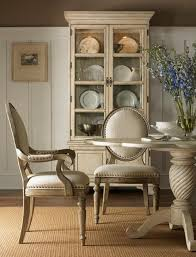 Decorating Ideas For Dining Room by Best 25 Dining Room Cabinets Ideas On Pinterest Built In