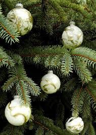 make the tree sparkle with marbleized metallic