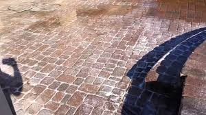 Sealing A Paver Patio by Stripping Old Behr Sealant From Concrete Pavers Youtube