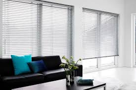 Faux Wood Venetian Blinds Living Room Awesome Venetian Blinds Living Room With White Faux