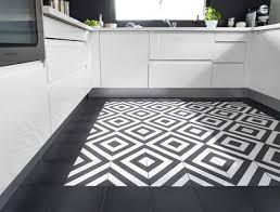 carrelage noir et blanc cuisine carrelage cuisine faience cuisine les nouvelles tendances côté