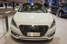 toyota camry hybrid vs hyundai sonata hybrid 2016 hyundai sonata hybrid chicago auto autotrader