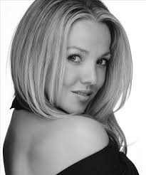 former qvc host with short blonde hair sommer shiels is an actor extra and model based in california