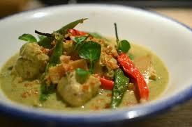 recette cuisine thailandaise traditionnelle poulet thaï au curry vert et lait de coco la recette ultime