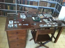 Hemingway Desk Ernest Hemingway Cuba And Finca Vigia Cuban Transitions
