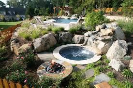 Sloped Backyard Landscape Ideas Uphill Backyard Landscaping Best 25 Sloped Backyard Ideas On