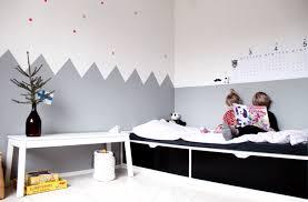 deco chambre peinture murale idée déco peinture intérieur maison les murs bicolores respirent l