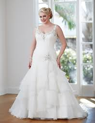 wedding dresses for larger brides guide to plus size wedding dress styles for curvy brides wedding