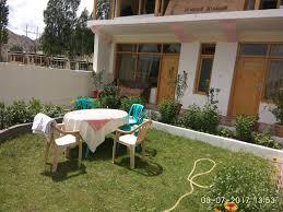 laksdup guest house leh india booking com