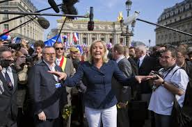 si e du front national madame rage marine le pen s populism for the masses spiegel