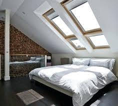 decoration chambre comble avec mur incliné decoration chambre comble avec mur inclinac beau fenatre de toit