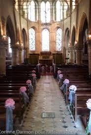 decoration eglise pour mariage bancs d église décorés pour un mariage amborella by corinne